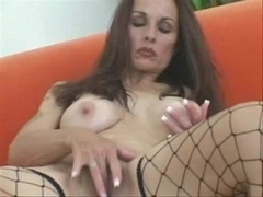 Pretty mom play with her cunt & fuck at all holes