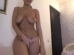 Showing my mighty curves on a webcam show
