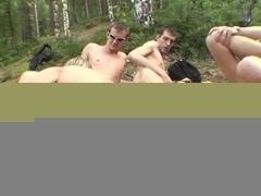 Amateur - Two girls Outdoor Bareback Anal Gangbang