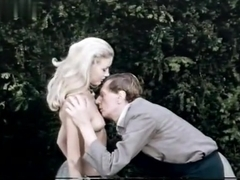 Penny Brahms,Joanna Lumley in Games That Lovers Play (1970)