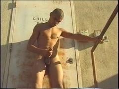 Construction worker jerks off his shlong