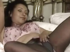 Sexy Aunt Puts On A Show For Nephew