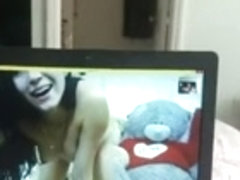 Webcam sex with hot chick.. she fucks 2 bteddy bears for me..