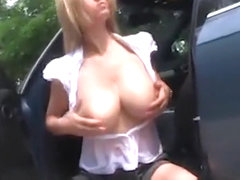 amazing milf outdoor show by oopscams