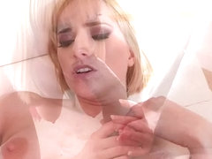 Hot pornstar gaping and facial