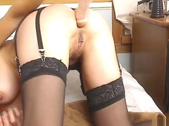 Livecam Double Penetration & Hitachi For Intense Orgasms - KinkyFrenchies