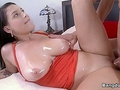 Noelle Easton in Big natural tits and basketball Video