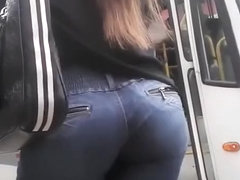 Hot round ass chick in tight jeans pants