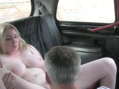 Big natural boobs British amateur blonde sex in a taxi with the driver