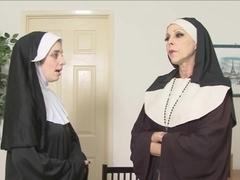 Порно 19 века монашки лизбиянки волосатыми пиздами
