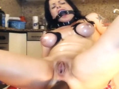 Hot Chick Is Into Bondage
