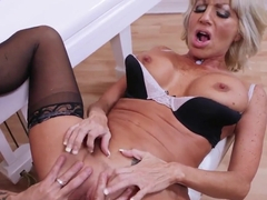 Kurt Lockwood fucks mature cougar Tara Holiday