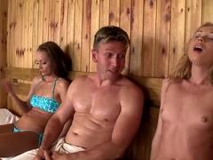 verhalen stiefzus sauna naakt in met